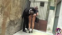 Caregiver slut Lola gets sex in the street of Avignon