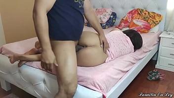 Mi Hijastra Durmiendoo Con La Boca Abierta y su Pillama Rosa - El Dia en Que Me Aproveche de mi Hijastra