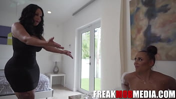 Queen Rouge catches her step daughter with BBC 10 min