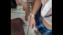 Novinhas fazendo strip e sensualizando em live do facebook