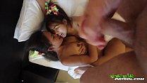 Thai girls vacation threesome