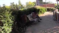 Me muestra sus tetas en el parque a cambio de dinero, acabamos follando