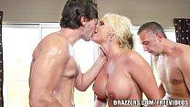 Brazzers - Phoenix Marie - Bubble Butt Gets a Juicy Double