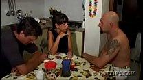 Trio familia padrastro mami e hijastro español castellano