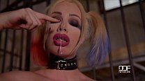 Chessie Kay fucks a baseball bat in Suicide squad Cosplay