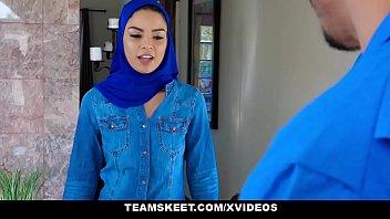 ExxxtraSmall - Hot Muslim Chick Maya Bijou Gets Double Cumcockted