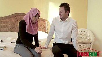 Ella Knox In Dirty Family Sex In Dubai