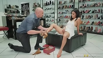 Monica asis - If The Shoe Fits