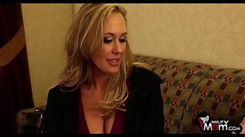 Brandi Love screams as she gets her tight cunt nailed hard - MilfMom.com
