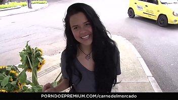 CARNE DEL MERCADO - Latina teen Selena Gomez picked up and facialized