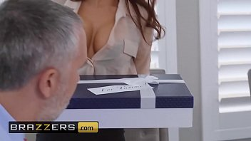 (Madison Ivy, Keiran Lee) - The Assistant's Affair - Brazzers