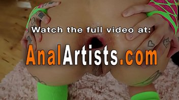 Lesbians lick gaping buttholes after toying