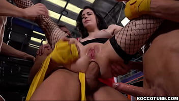 Fitness babe Anna De Ville loves DOUBLE ANAL sex! She meets three guys at her local gym that don't mind giving this hot babe what she wants!