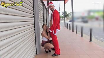 MAMACITAZ - #Nikki Litte #Juan Lucho - Christmas Outdoor With A Crazy Sexy Latina