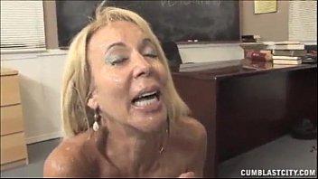 la maestra laura bozo le hace una paja a su alumno cumblast